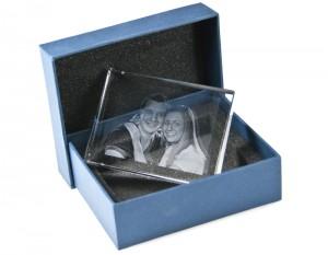Glasfoto mit Geschenkbox